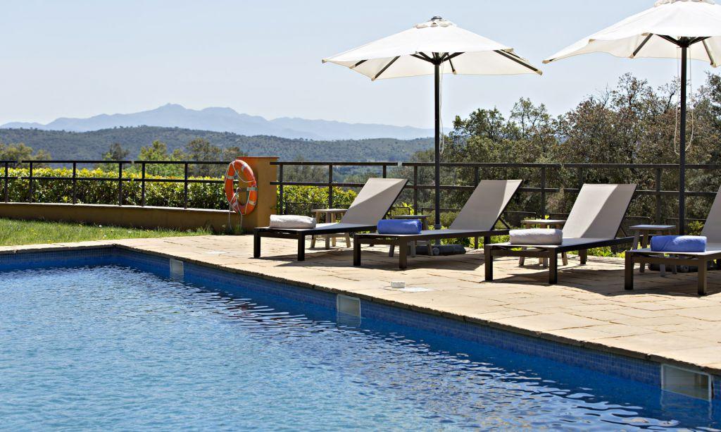 Piscina exterior hotel can xiquet for Piscina exterior